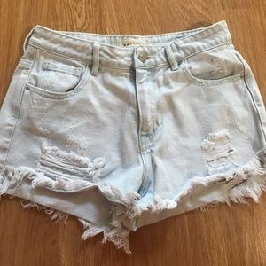 PACSUN DISTRESS JEAN SHORTS- LIGHT WASH